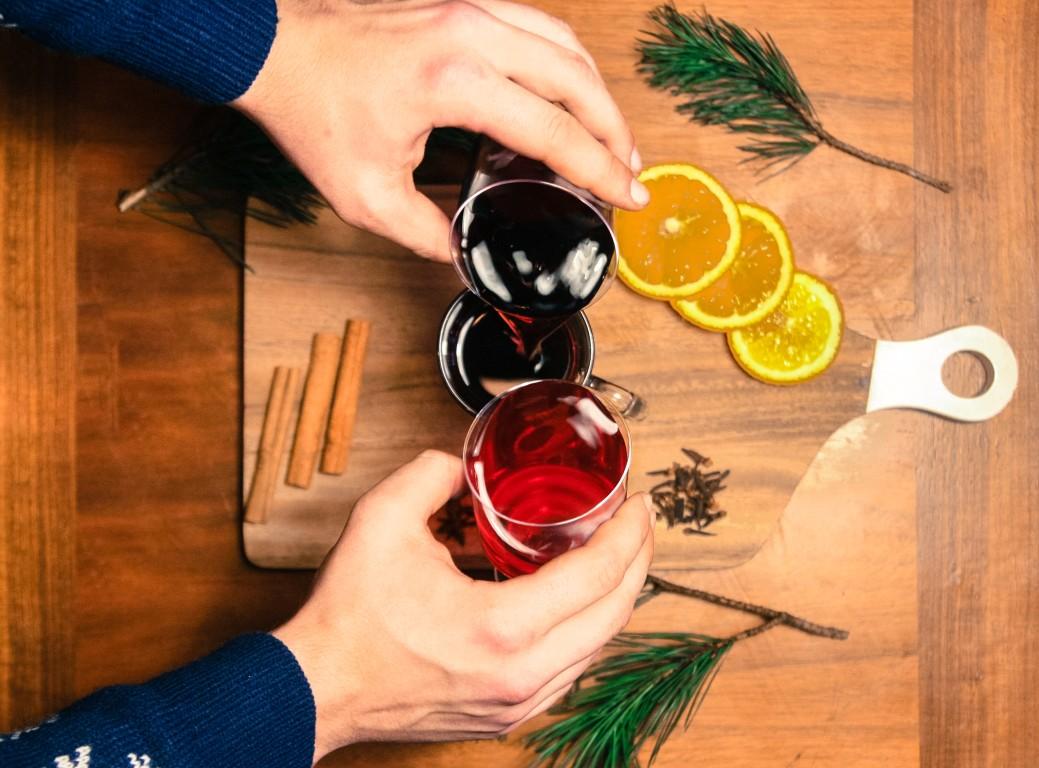 aromātisks un sildošs dzēriens solis cetri