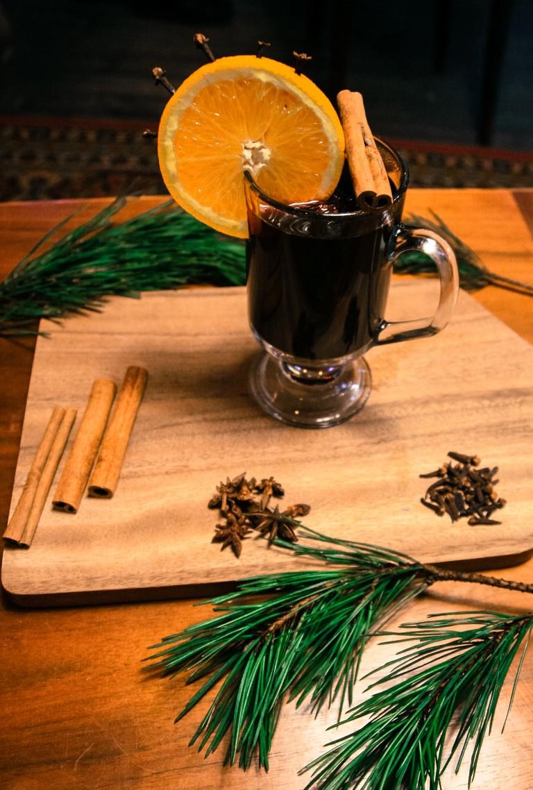 aromātisks un sildošs dzēriens solis pieci